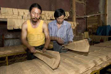 Druckerei fuer Gebetsrollen in Lhasa