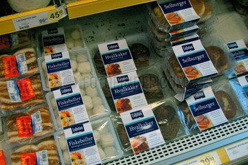 Wal - Fleisch zum Verkauf im Supermarkt.