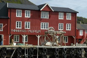 Der Ort A auf den Lofoten; das DUerrfischmuseum.
