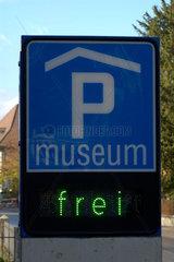Parkhaus eines Museums