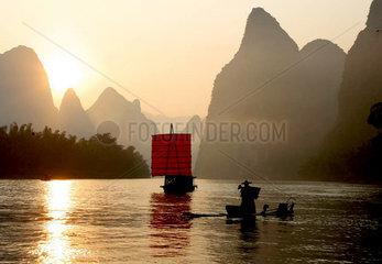 Sonnenaufgang am Lijiang Fluss