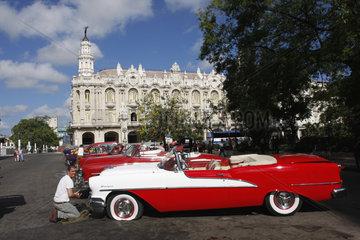 Oldtimers in Havanna Vieja