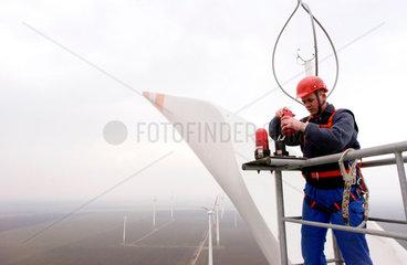 Wartungsarbeiten Windenergie-Anlage