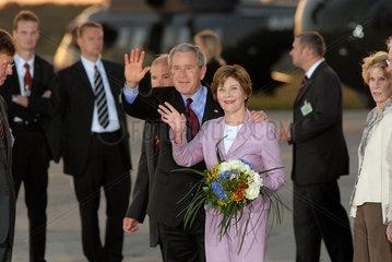 Georg und Laura Bush