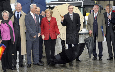 Schavan + Keitel + Ramsauer + Bruederle + Merkel + Wissmann + Peters + Kagermann