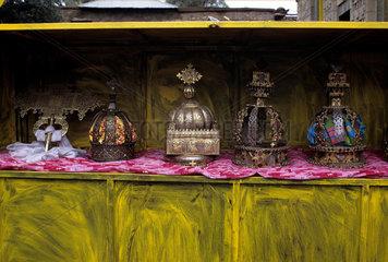 Ethiopia  Crowns in Axum