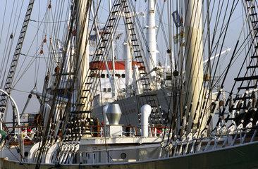 Hamburger  Museumsschiffe Cap San Diego und Rickmer Rickmers