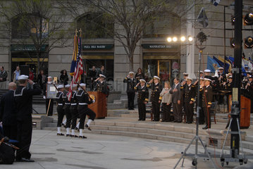 Medal of Honor Memorial Ceremony fuer Navy SEAL