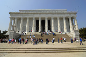 Lincoln Memorial mit Touristen  Washington D.C