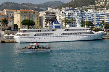 Saddam Husseins Megajacht Ocean Breeze im Hafen von Nizza