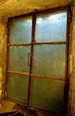 Altes Kellerfenster