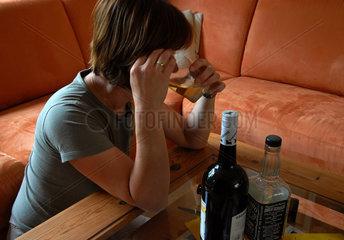 Frau und Alkohol