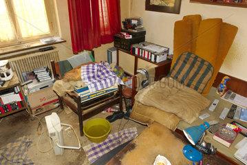 Verwahrloste Wohnung mit Vermuellungs-Syndrom