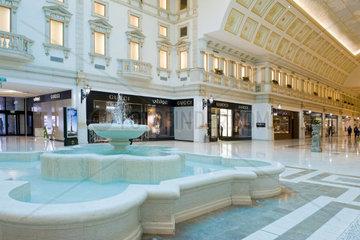 Qatar  Doha  Villaggio shopping mall