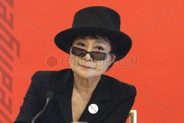 Yoko Ono  Kuenstlerin bei der Pressekonferenz am 02.03.2012 anlaesslich der Verleihung des Oskar-Kokoschka-Preises in Wien