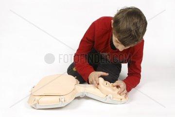 Erste Hilfe Kurs  Atemwege freimachen