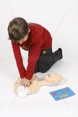 Erste Hilfe Kurs  Herzmassage und Defi