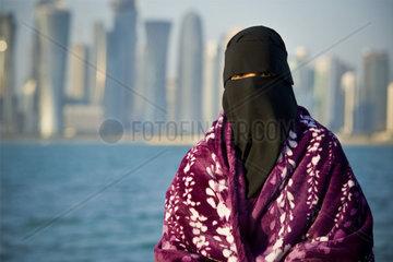 Qatar  Doha  Saudi woman