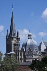 Blick auf den Aachener Dom Kaiserdom  UNESCO Weltkulturerbe  Aachen  Rheinland  Nordrhein Westfalen  Deutschland  Europa