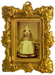 alter Goldrahmen  Portraet  1875