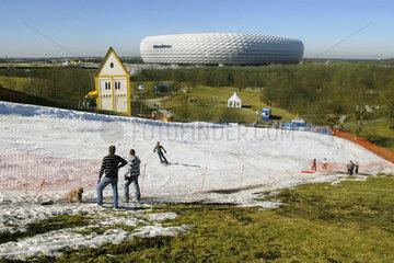 Kunstschnee-Anlage  Skifahren bei 18 Grad plus!