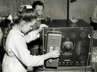 Geldeinwurf am Fernseher  1957