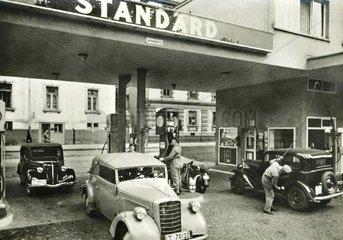 Esso Tankstelle um 1935