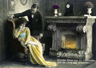 Ehepaar am Kamin  um 1927