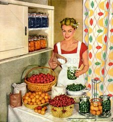 Hausfrau beim Einmachen  um 1956