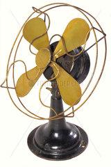 alter amerikanischer Ventilator  um 1920