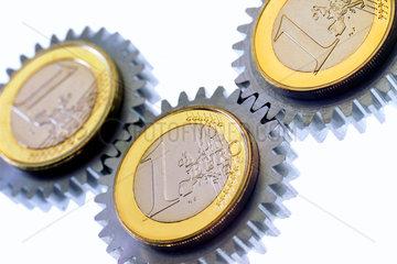 Zahnraeder  Symbol Wirtschaft  Geld