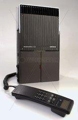 erstes tragbares C-Netz-Telefon 1987