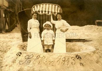 Urlaubsfoto am Strand  Ruegen  1913