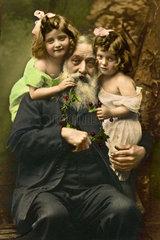 Grossvater  zwei Enkelinnen  1908