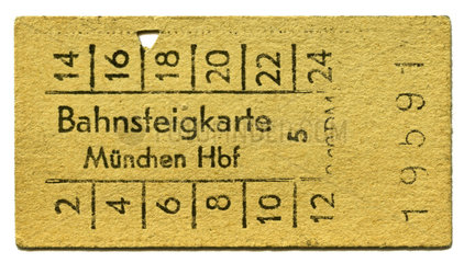 Bahnsteigkarte  Muenchen  Hauptbahnhof  1959