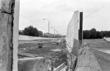 Berliner Mauer im Fruehjahr 1990