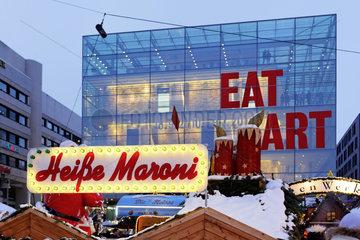 Der Weihnachtsmarkt in Stuttgart - einer der schoensten und groessten in Europa.
