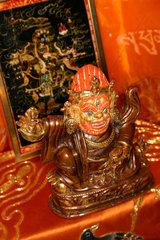 Schutzgeister Statue auf eine Buddhistische Altar