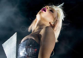 Lady GaGa - die italo-amerikanische Dance-Saengerin und Songwriterin aus New York stellt in der Berliner Columbiahalle ihr neues Album LoveGame vor.