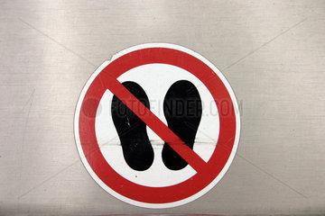 Betreten Verboten am Brunnen der Sony Center am Potsdamer Platz