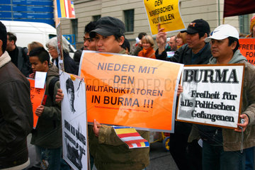 Berlin - Demonstration for freedom and human right in Birma