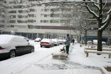 Schneebeseitigung mit einer Schneefraese