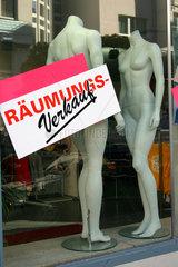 Raeumungs -Verkauf