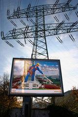 Berlin - Werbeplakat der Vattenfall vor eine Strommast