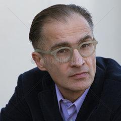 FIORETOS  Aris - Portrait of the writer