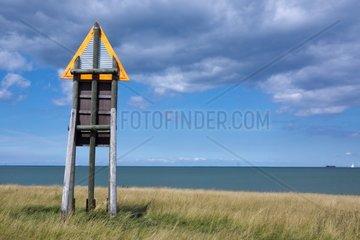 Peilbaken am Strand bei Puttgarden  Insel Fehmarn  Ostsee  Kreis Ostholstein  Schleswig-Holstein  Deutschland  Europa