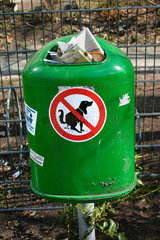 Hundescheissverbot auf ein Muelleimer