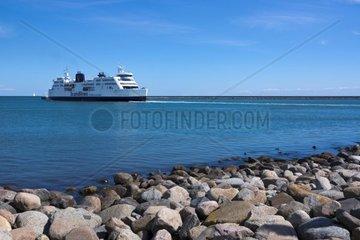 Faehrschiff vor Puttgarden  Insel Fehmarn  Ostsee  Kreis Ostholstein  Schleswig-Holstein  Deutschland  Europa