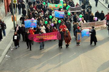 Berlin - Demonstration gegen Ehrenmord und Gewalt gegen Frauen