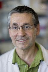 Dr. Lothar Beutin  Bundesinstitut fuer Risikobewertung  BfR
